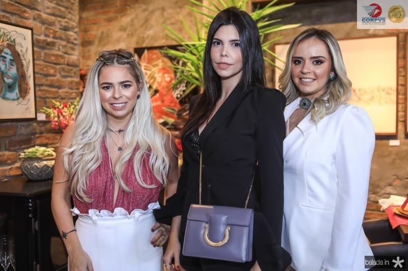 Mariana Tavora, Milena Munhoz e Carolina Aragao