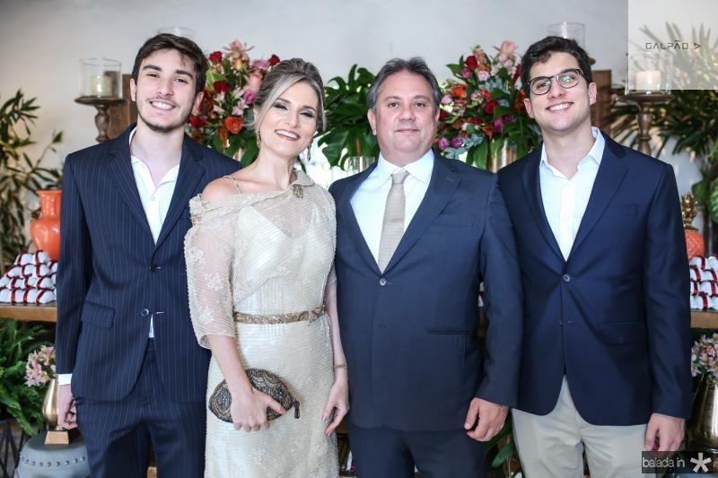 Davi,Alessandra, Daniel e Daniel Moura