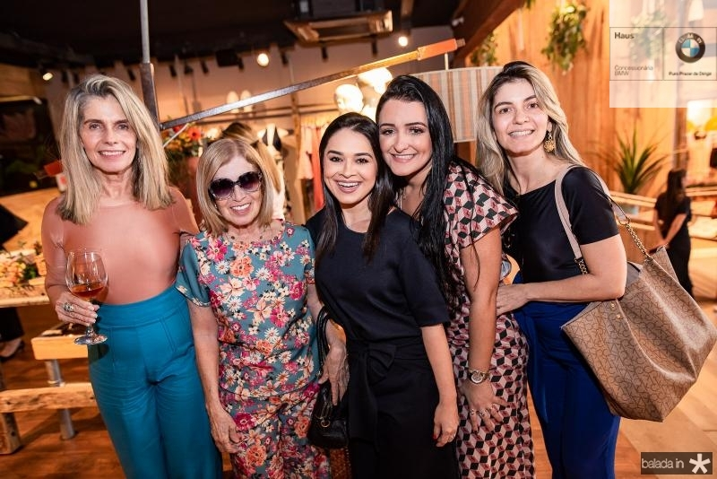 Lucia Chaves, Angela Chaves, Debora Oliveira, Leidiana Braga e Raquel Chaves