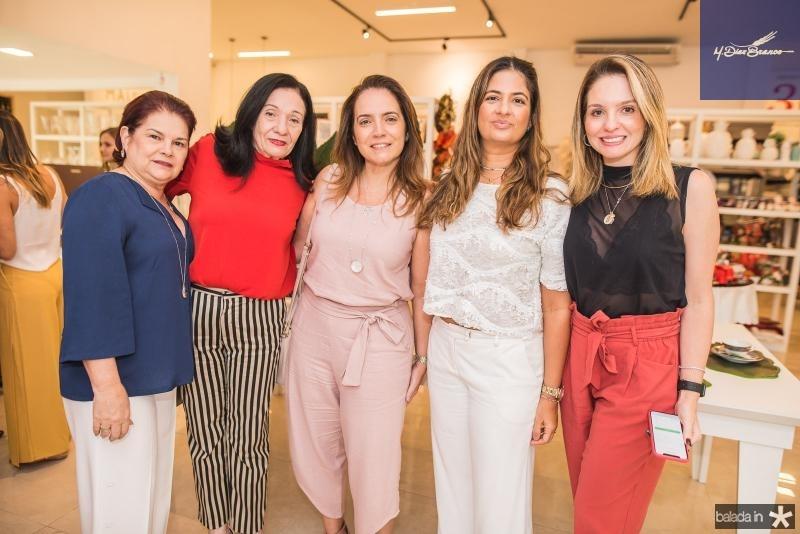 Ana Duarte, Rosalinda Duarte, Renata Serpa, Daniele Barreira e Denise Pio