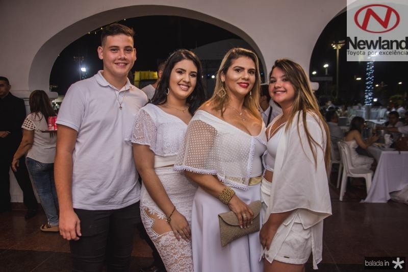 Jesse Pereira, Alana Mendonca, Daniela Mendonca e Beatriz Brandao