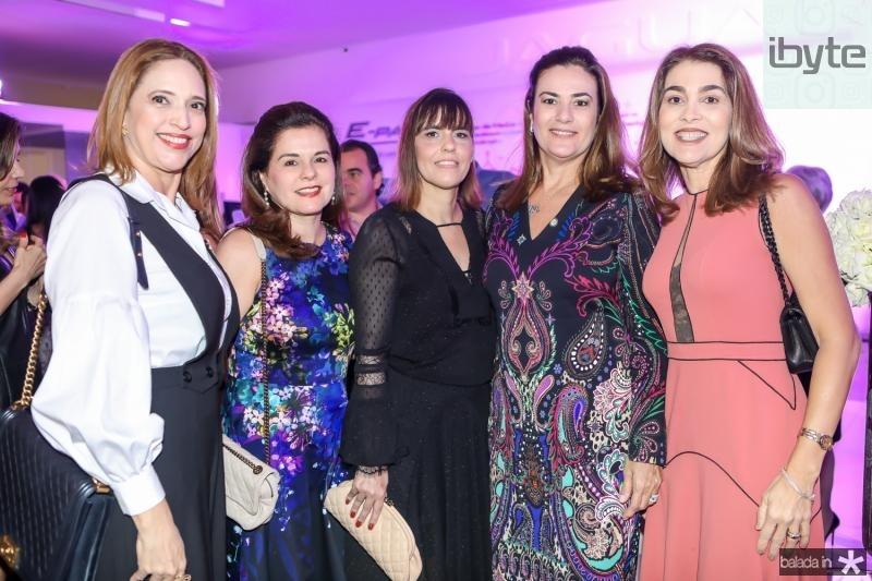 Ana Claudia Canamary, Marcia Oliveira, Fernanda Peixoto, Giovana Albuquerque e Leda Diniz