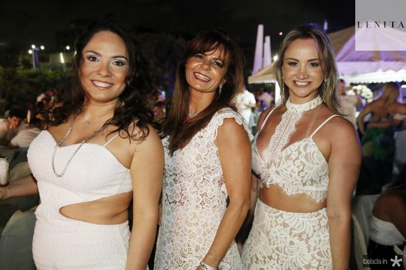 Juliana Pinheiro, Claudia Bezerra e Izara Parente