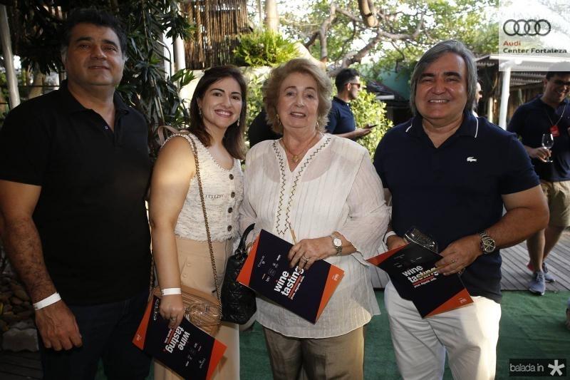 Mauro e Liliane Liberato, Gabriela Castro e Fernando Holanda