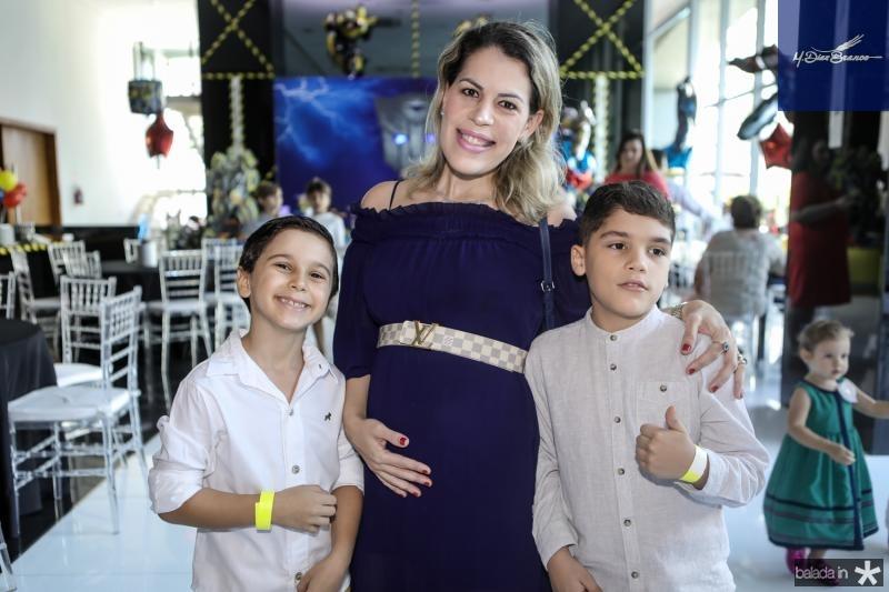 Nicolas e Juliana Lavour e Lucas Coelho