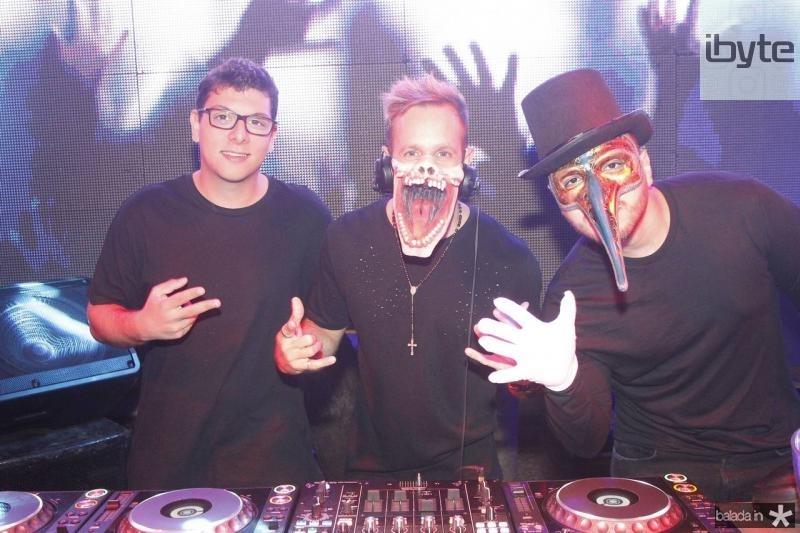 DJs Joao Pedro, Thiago Camargo e Savio Machado