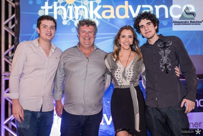 Guilherme, Evandro, Eliziane e Evandro Colares