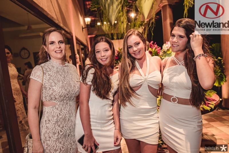 Patricia Queiroz, Ana ccarolina Araujo, Luiza QUieorz e Maria Clara Ary