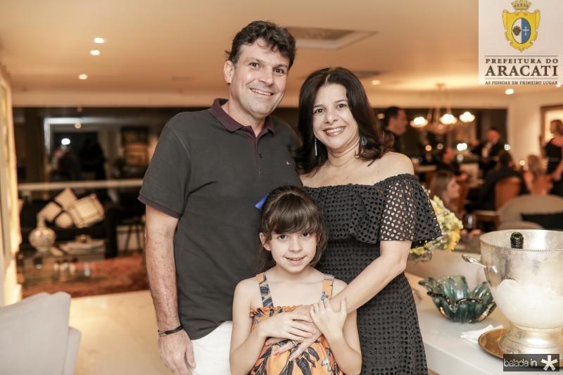 Luis, Luciana e Livia de Matos Brito