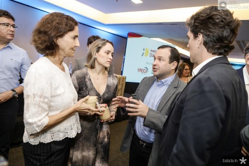 Izolda Cela, Fernanda Pacobayba, Igor Barroso e Ruy do Ceara