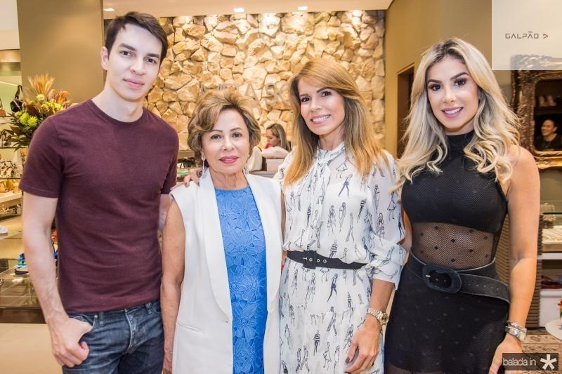 Andre Albuquerque, Tane Albuquerque, Maira Silva e Priscilla Silva