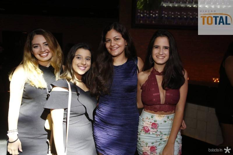 Ana Luiza, Gabriela Bitu, Isadora Lourenco e Amanda Esmeraldo