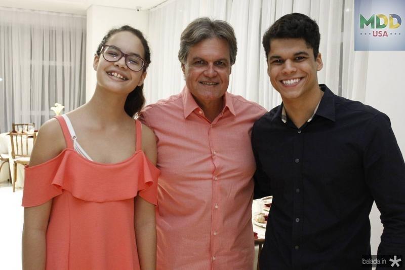 Mariana, Paulo e Mauricio Moreira de Sousa