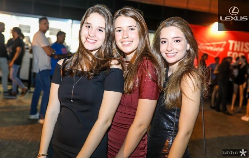 Tais Barroso, Lara Cabral e Sara Bringel