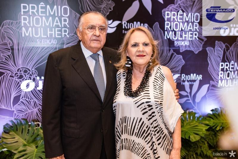 Joao Carlos Paes Mendonca e Guaraciara Barros