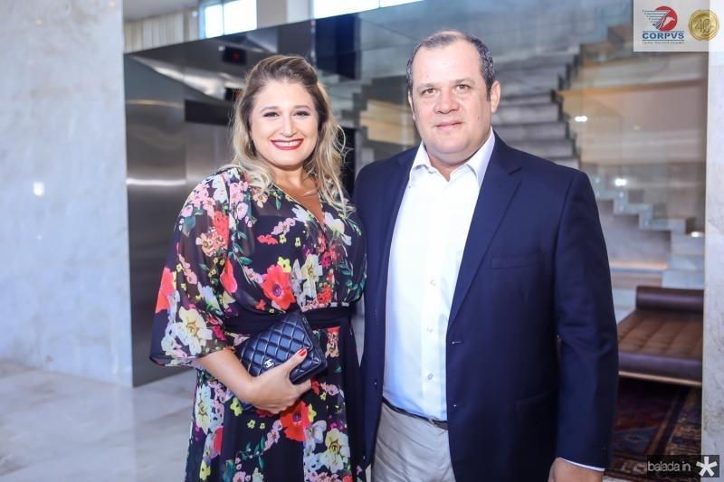 Karina Bezerra e Adriano Assunçao