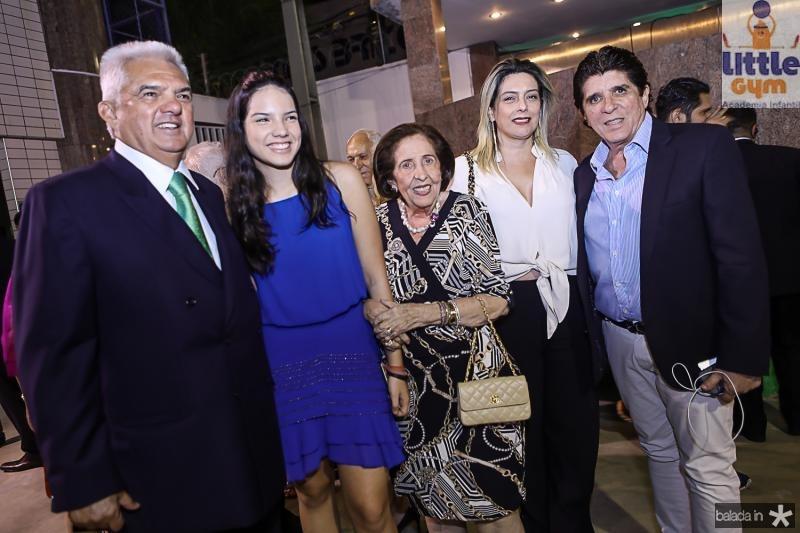 Talles e Hildete Sa Cavalcante, Deise Machado, Jaqueline Sa Cavalcante e Dito Machado