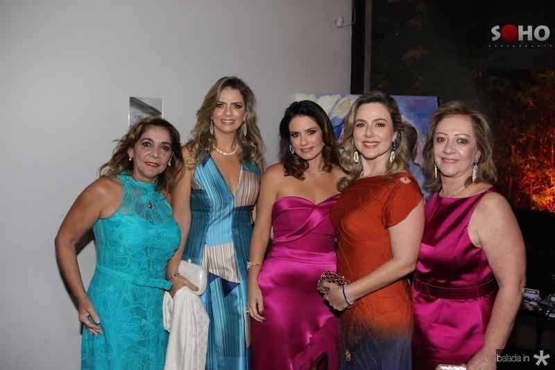 Inês Mesquita, Tais Pinto, Renata Vale, Suyane Dias Branco e Tânia Teixeira