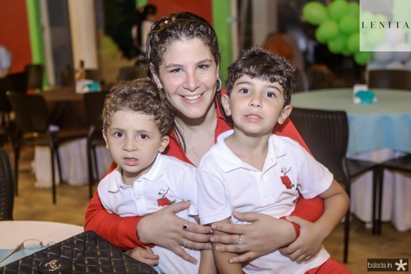 Joao, Carol e Matheus Ary