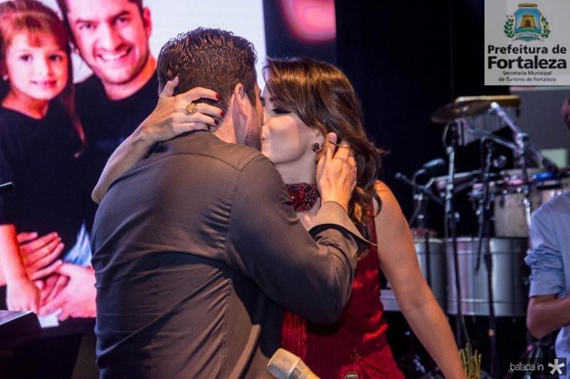 Paulo Jose e Camila Benevides