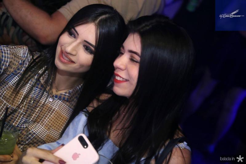 Tausa Ferreira e Larissa Portela