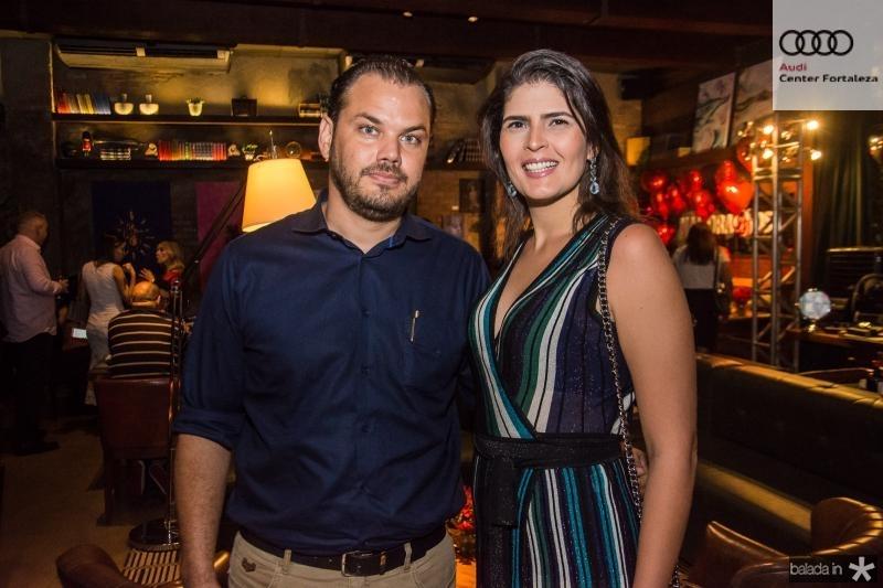 Thiago e Carina Rodrigues