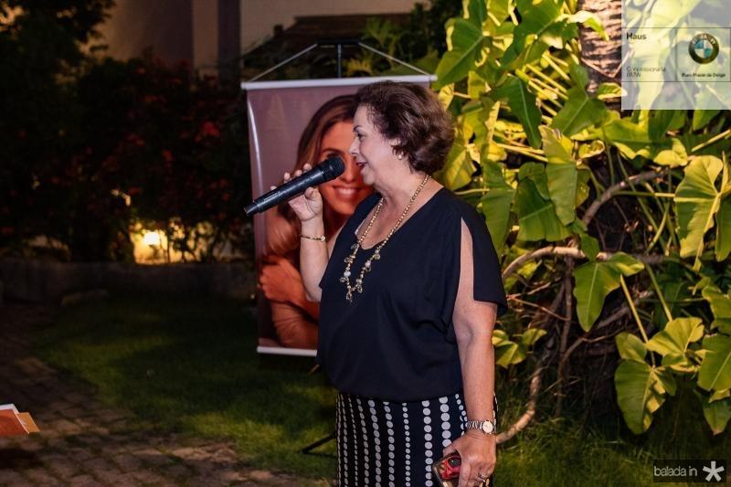 Julia Philomeno