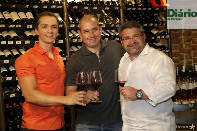 Marcelo Marfrutas, Andre Linheiro e Mario Queiros