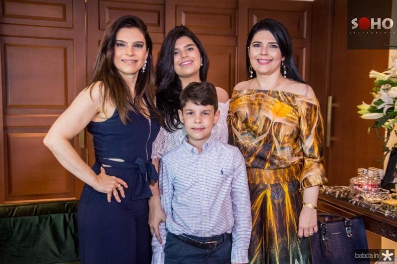 Fabiana Lustosa, Marcelle Câmara, Luis Eduardo Lustosa e Sellene Câmara