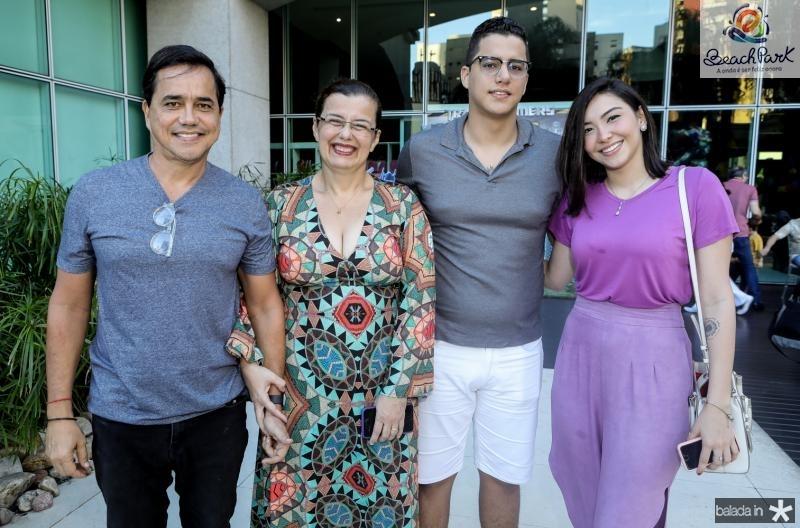 Jose Manolasco, Auxiliadora Felix, Gabriel Felix e Sarah Ferrari