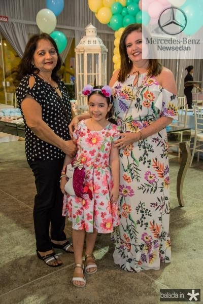 Marlene Rodrigues, Isabele Correira e Giovana Correia