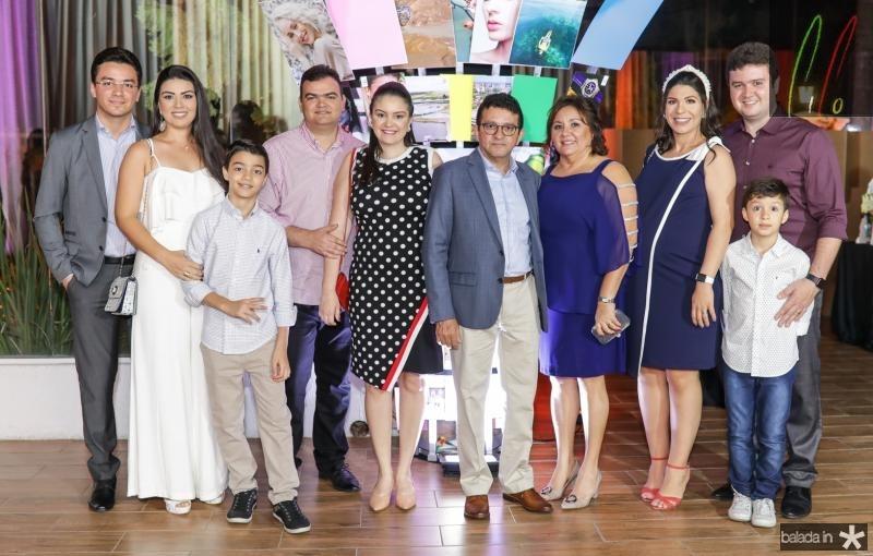 Fernando, Tamyres e Pedro Brito, Rodrigo e Geisa Lemos, Helio, Norma, Izabelly, Antunes e Luis Eduardo Brito
