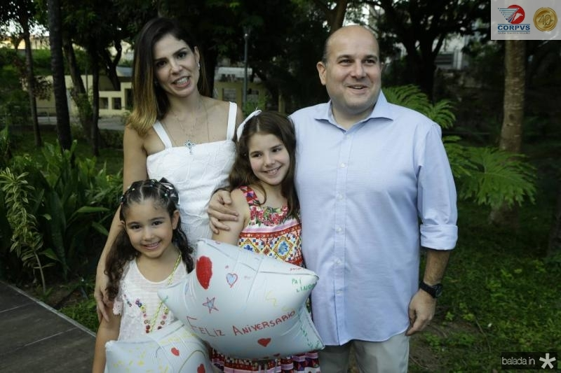 Roberta, Carol, Isabela e Roberto Claudio Bezerra