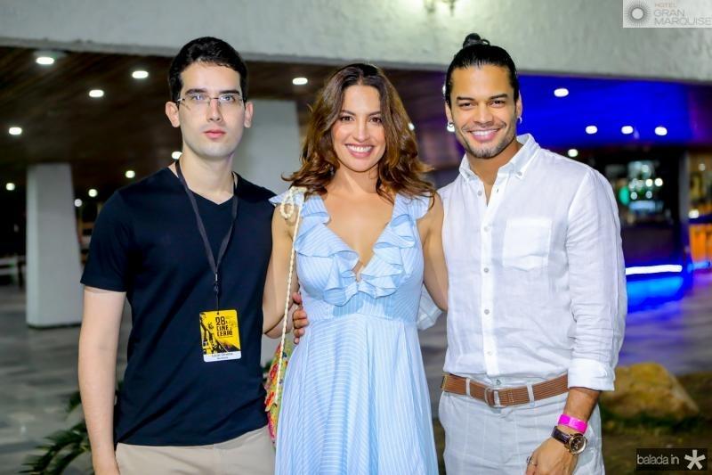 Lucas Oliveira, Laura Ramos e Kris Sifuentes