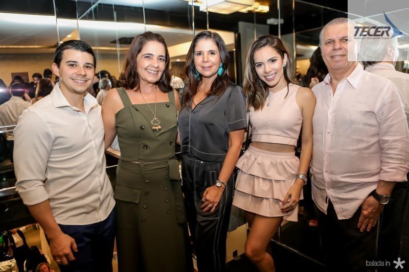 Pedro Negrao, Giana Studart, Maria Lucia Negrao, Nicole Vasconcelos e Claudio Studart