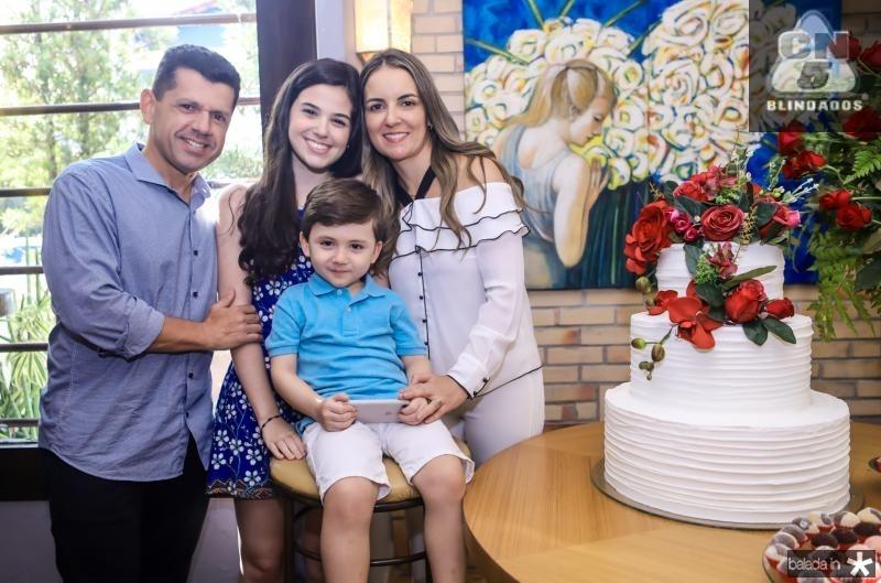 Erick, Beatriz, Erick e Raquel Vasconcelos
