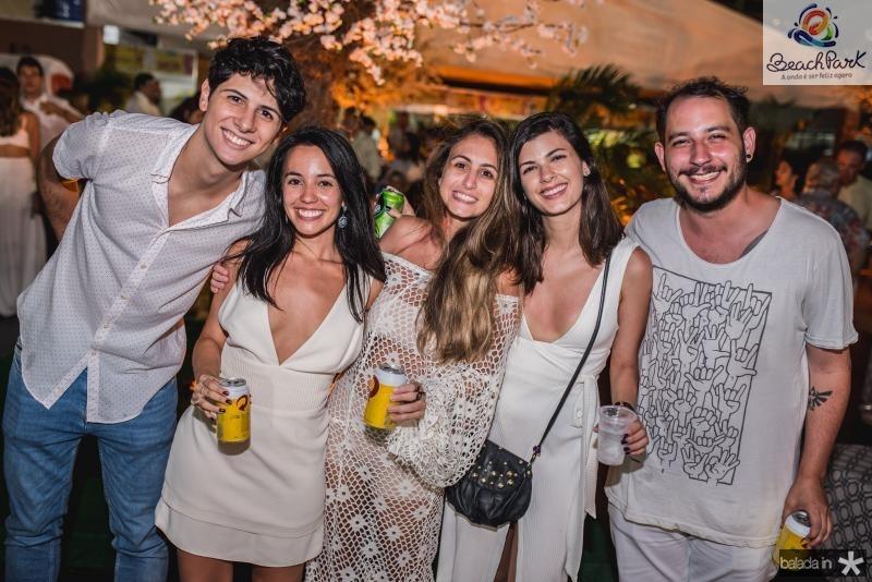 Rodrigo Gomes, Beatriz Besenzi, Marilia Besenzi e amanda Lossi e  Iure Gomes