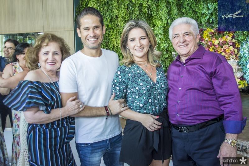 Auricelia Queiros, David Rodrigues, Patriciana Rodrigues e Deusmar Queiros