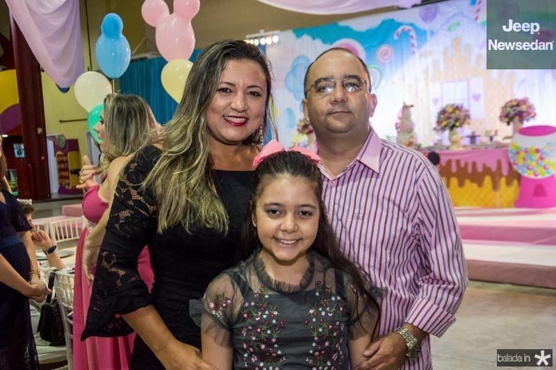 Daniela, Ana Vitoria e Alan Costa