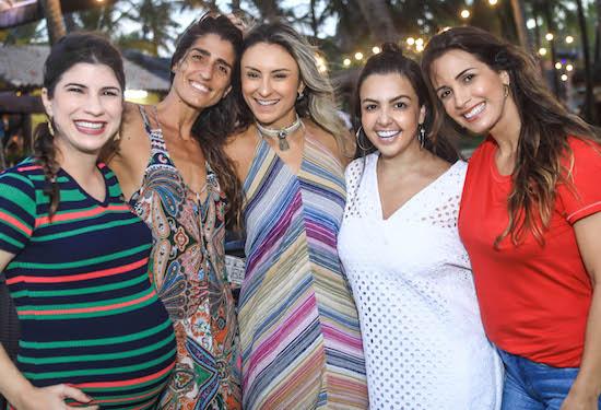 Themis Briand, Cynthia Howllet, Ju Pontes, Manoela Cisne e Ingrid Machado