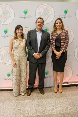 Carol Bezerra, Eduardo Queiroz e Onélia Leite de Santana