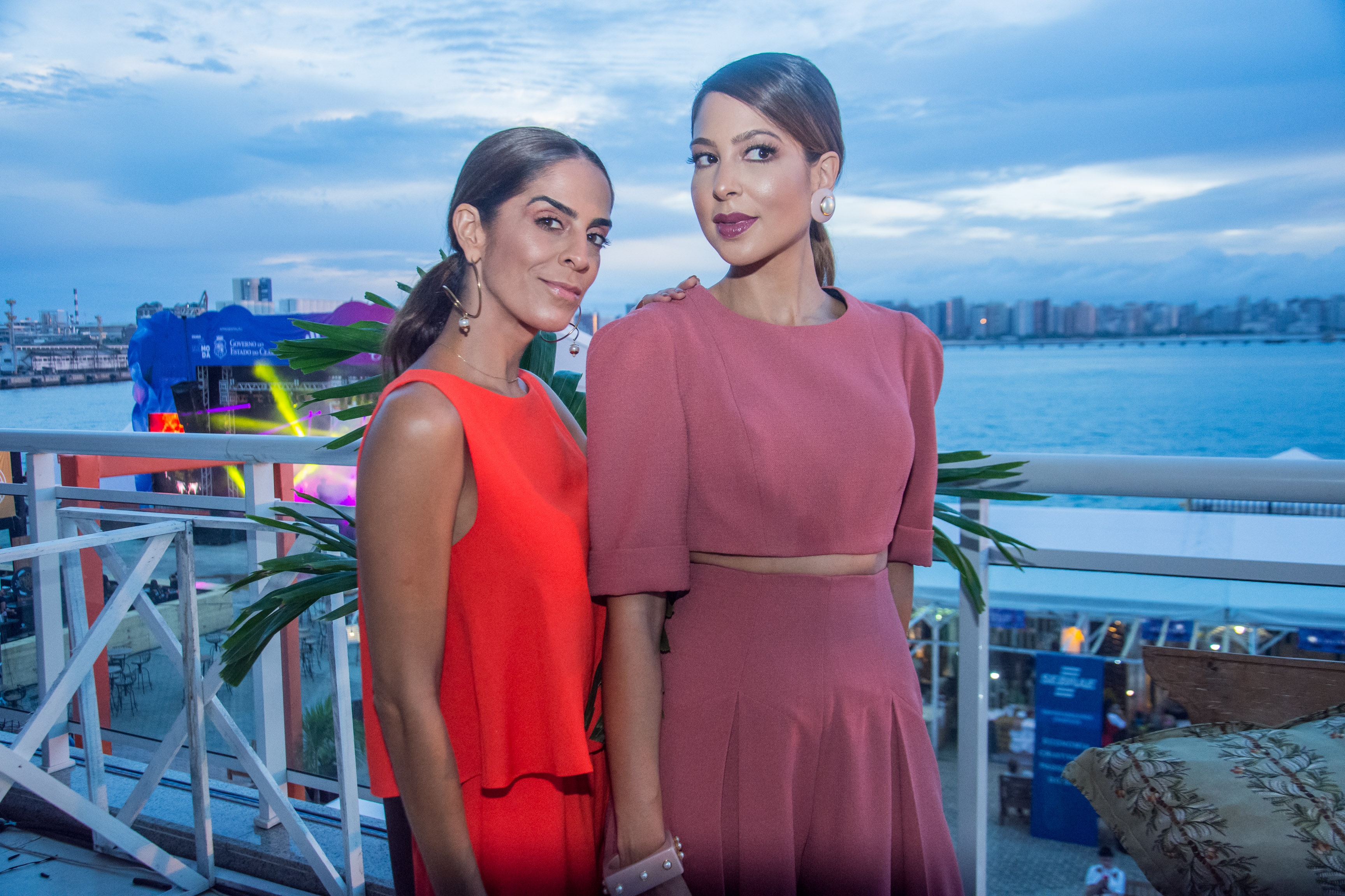 Tinesa Emerenciando e Renata Rangel