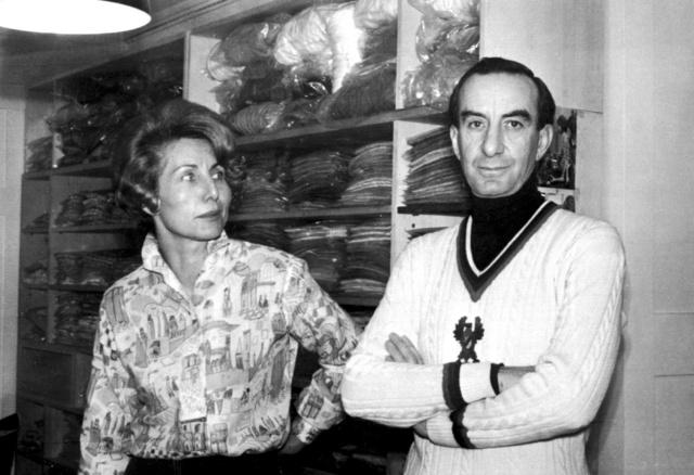Emilio Pucci junto a Mary Weissbrod