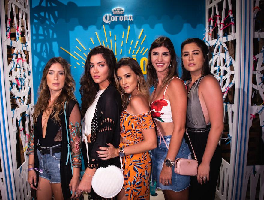 Caroline Ventura, Renata Moreno, Eduarda Fernandes, Karina Ramalho e  Roberta Moreno