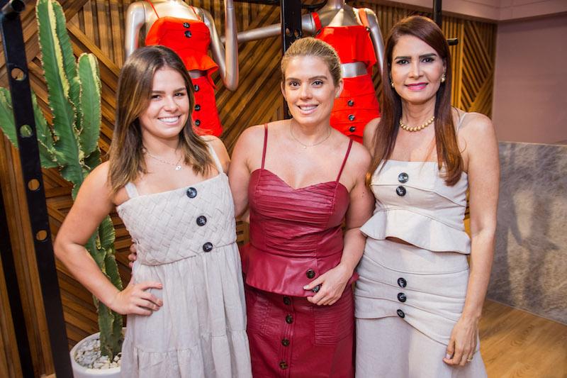 Leticia Studart, Leticia Studart e Lorena Pouchain