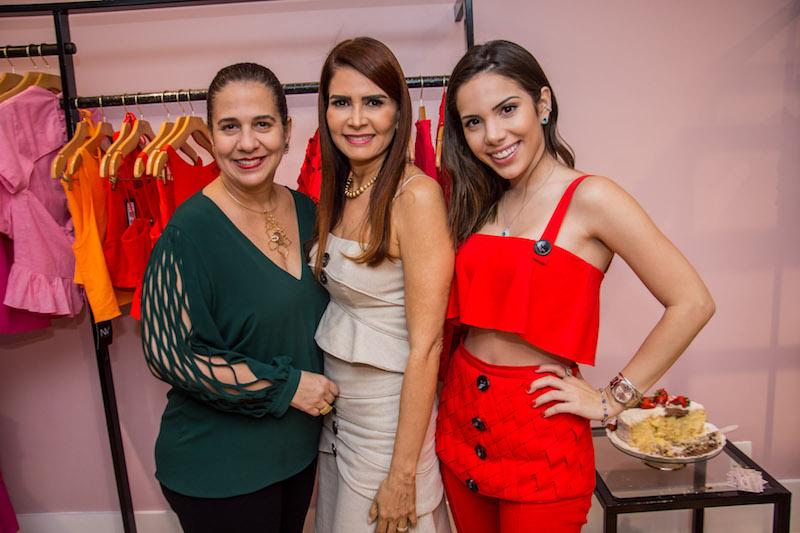Martinha Assuncao, Lorena Pouchain e Nicole Vasconcelos