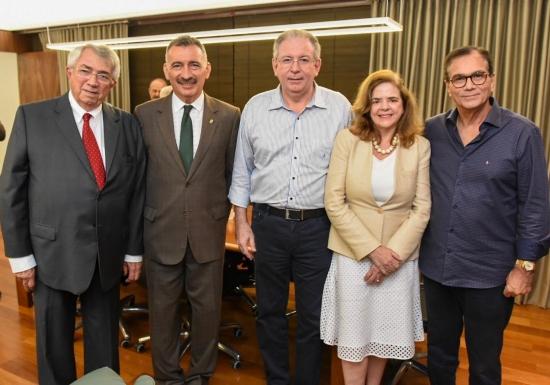 Roberto Macêdo, Artur Bruno; Ricardo cavalcante, Roseane Medeiros e Beto Studart