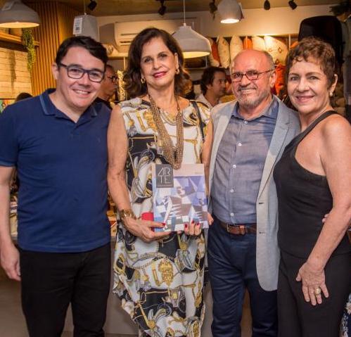 Com homenagem a Estrigas, Lília Quinderé apresenta a nova edição da Revista Arte