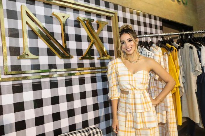 Nathália Ximenes arma happening para o lançamento da nova coleção da NX