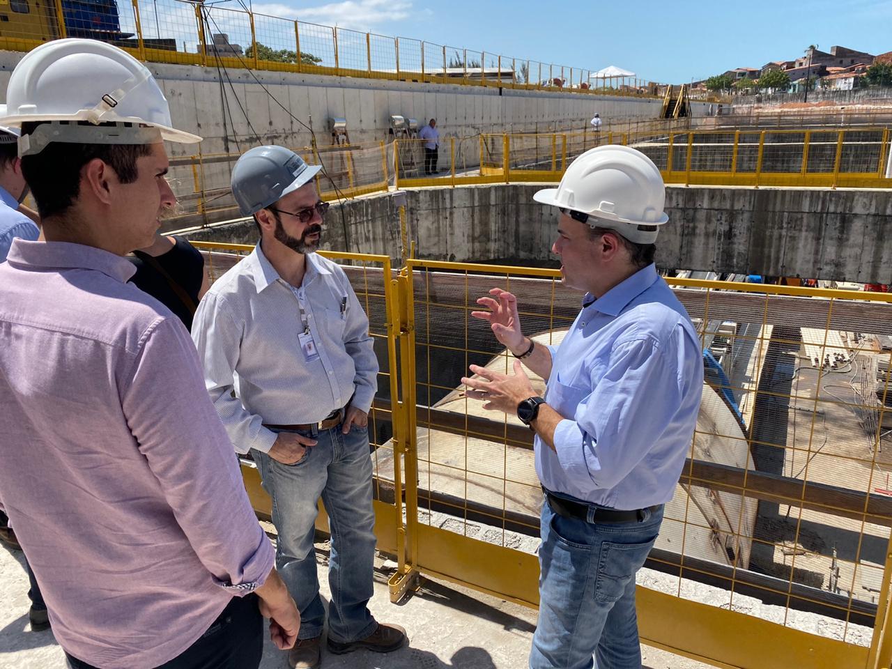 Roberto Cláudio e Camilo acompanham ministrado Desenvolvimento Regional